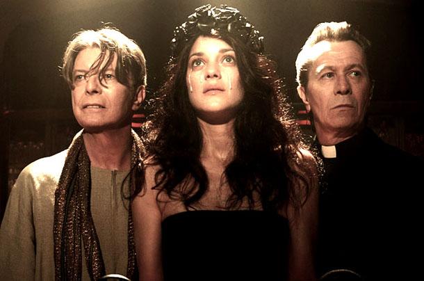 Novo Videoclipe De David Bowie – Papa, Sangue e Prostitutas