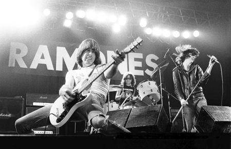 Novidade para os fãs dos Ramones
