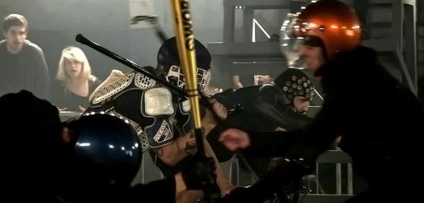 Competição de bike fixa no clipe do INKY