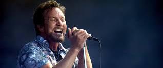 """Eddie Vedder faz cover de """"Imagine"""" e volta a pedir paz"""