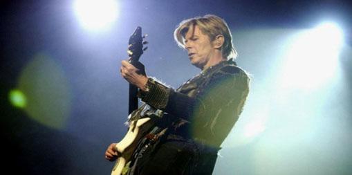 """Confira o 'novo' som de David Bowie: """"Sue (or in a Season of Crime)"""""""