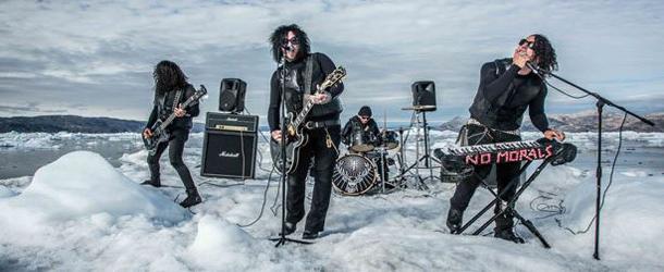 Conheça a primeira banda a tocar em um iceberg flutuante