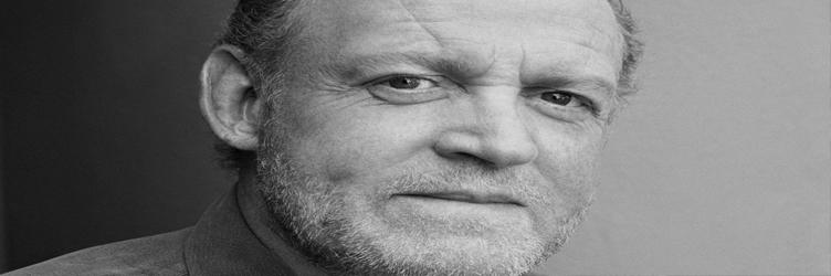 Morre aos 70 anos o cantor Joe Cocker