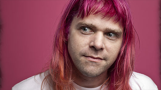 "Ariel Pink libera clipe de ""Time to Live"""