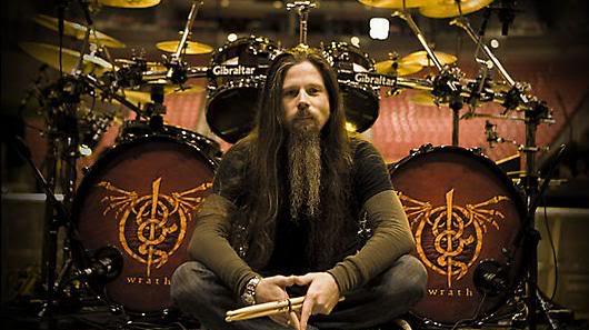 Chris Adler diz que espera seguir com o Megadeth