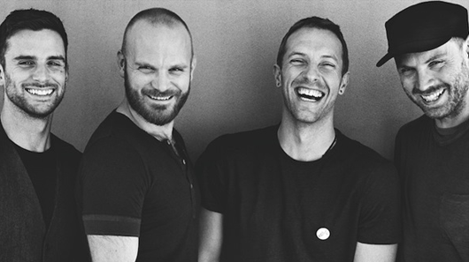 "Coldplay pedala pelo México no clipe de ""A Head Full Of Dreams"""