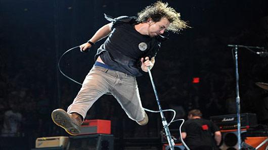 Eddie Vedder: novo single será lançado com ingressos para jogo do Chicago Cubs