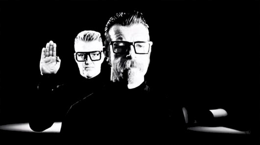 "Veja ""Complexity"", novo vídeo do Eagles Of Death Metal"