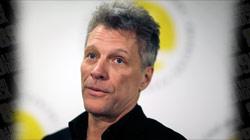 Jon Bon Jovi recebe prêmio por ações de socorro aos sem-teto