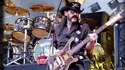 Veja uma das últimas apresentações de Lemmy comandando o Motörhead