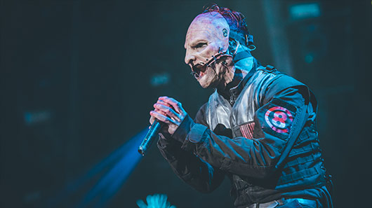 "Slipknot: ouça versão ao vivo de ""Surfacing"""