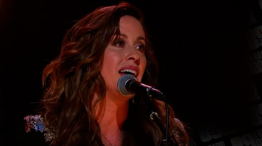 "Alanis Morissette prepara o musical ""Jagged Little Pill"""