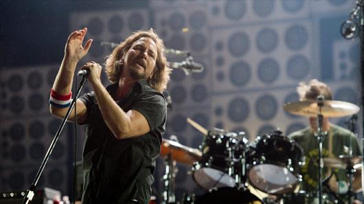 Veja Pearl Jam tocando Pink Floyd em Porto Alegre