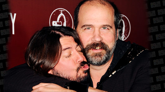 "Foo Fighters se reúne com Krist Novoselic, do Nirvana, para tocar ""Molly's Lips"""