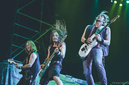 """Iron Maiden se prepara para apresentar """"coisas emocionantes"""" aos fãs, revela Adrian Smith"""