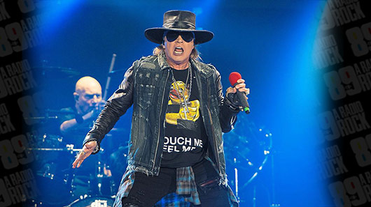 "Axl Rose e Billy Joel tocam juntos ""Highway To Hell"", do AC/DC"