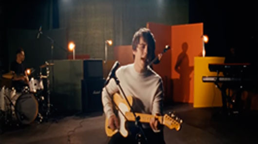 "Jake Bugg lança clipe para single ""Love, Hope And Misery"""
