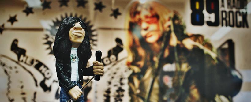 Promo Boneco do Joey Ramone