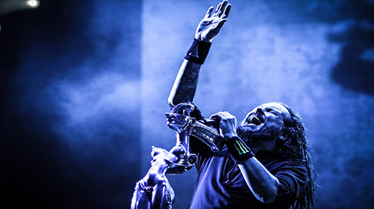 Confira 1º single solo de Jonathan Davis, vocalista do Korn
