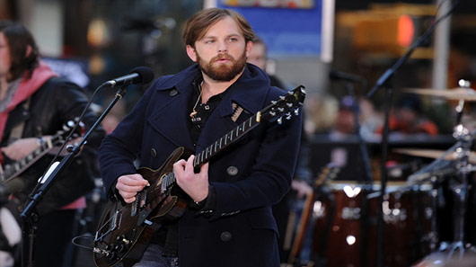 Kings Of Leon estreia novo single na TV britânica