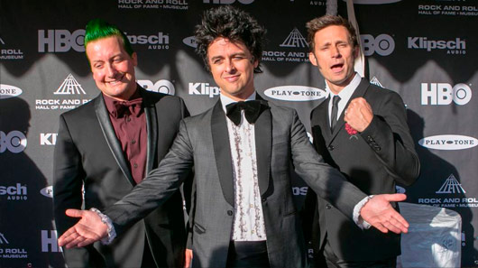 Vídeo: Green Day protesta contra Donald Trump