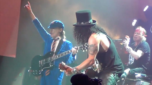 Vídeo: Angus Young participa de show do Guns N´Roses na Alemanha