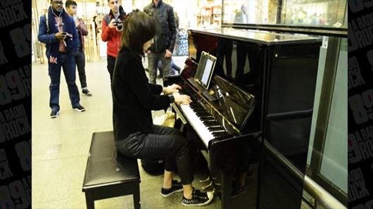 Músicas do Metallica no piano, no metrô e em Londres