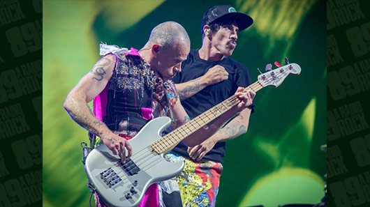 Veja tributo do Red Hot Chili Peppers para Ric Ocasek, vocalista do The Cars
