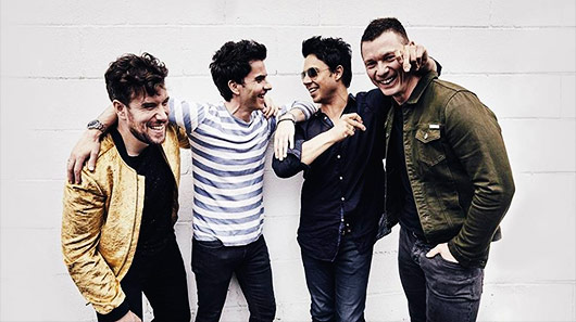 "Stereophonics libera clipe de nova faixa ""Caught By The Wind"""