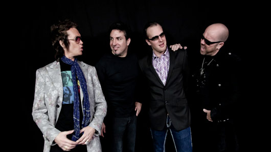 "Black Country Communion libera música nova. Ouça ""Collide"""