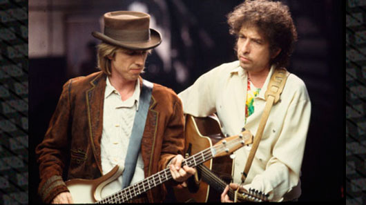 Bob Dylan homenageia Tom Petty durante show