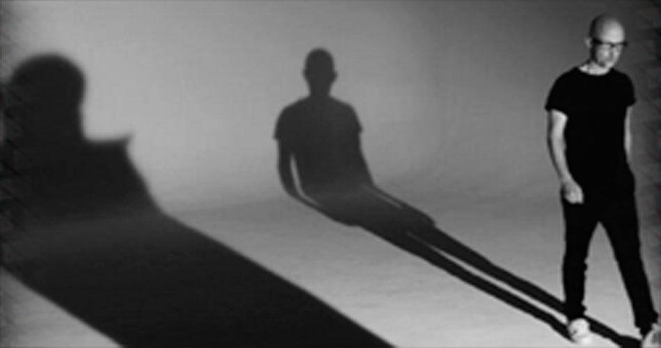 "Moby anuncia novo disco e libera clipe de ""Like a Motherless Child"""