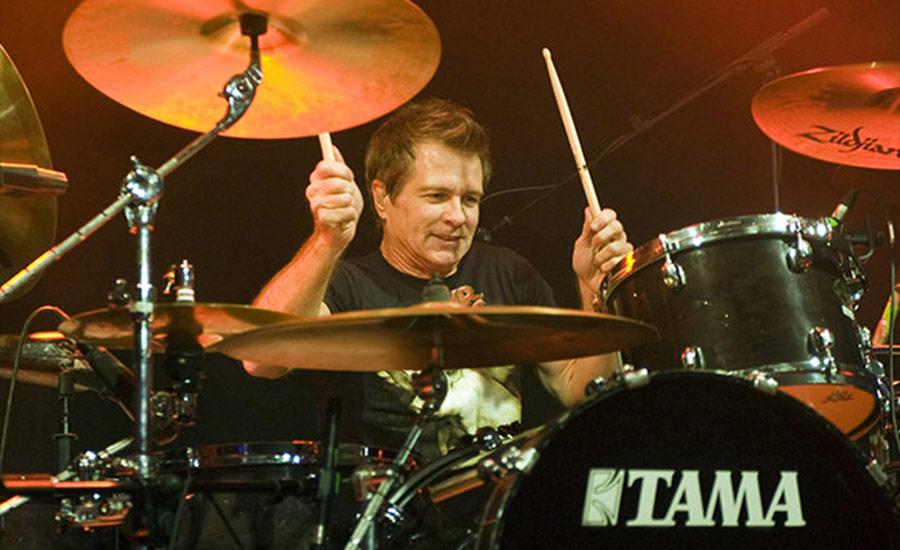 Morre Pat Torpey, baterista do Mr. Big