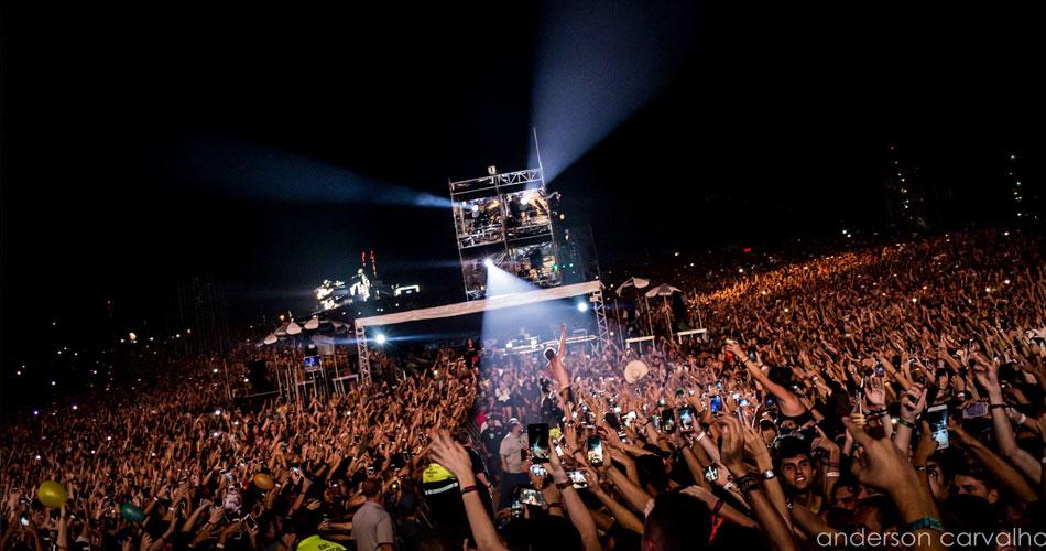 Lollapalooza: Dan Reynolds, do Imagine Dragons, vai pra galera