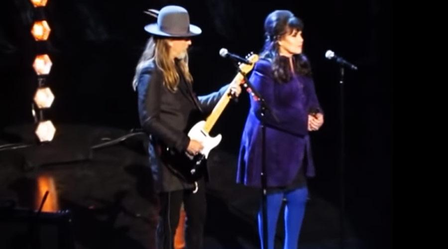 Jerry Cantrell e Ann Wilson prestam homenagem a Chris Cornell na cerimônia do Rock And Roll Hall Of Fame