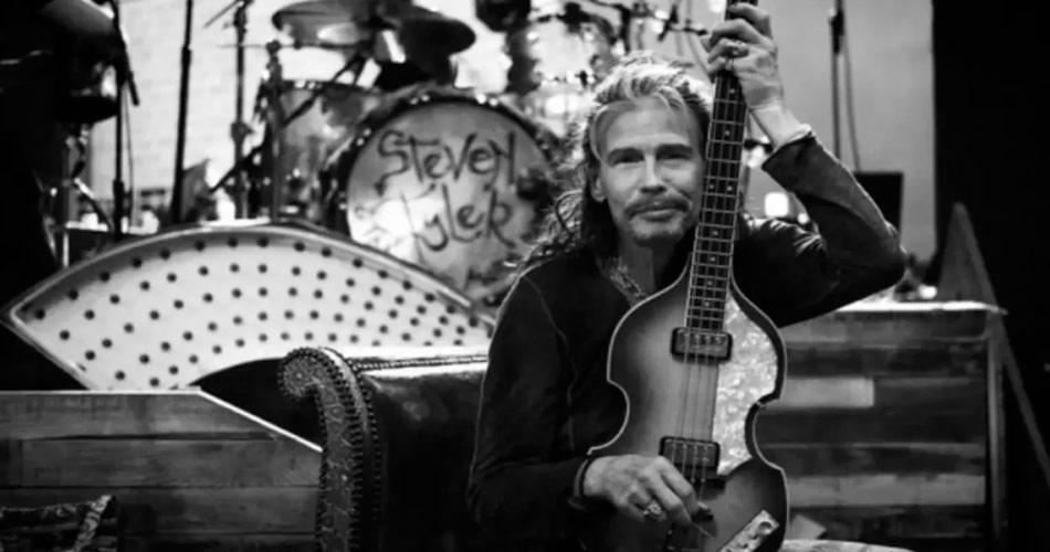 Vídeo: Steven Tyler toca clássico do Aerosmith com banda de Nova Orleans