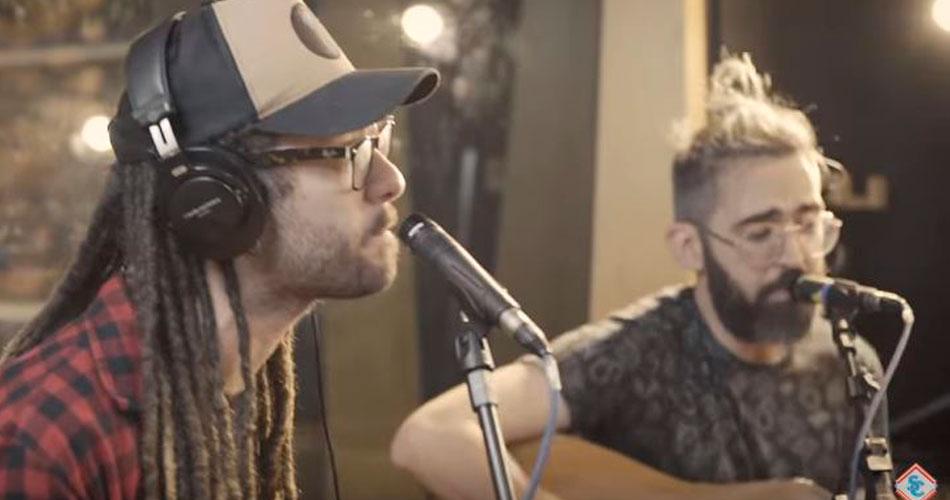 """Sessions da Tarde: Supercombo apresenta """"Faz Parte"""" com Gabriel Elias"""