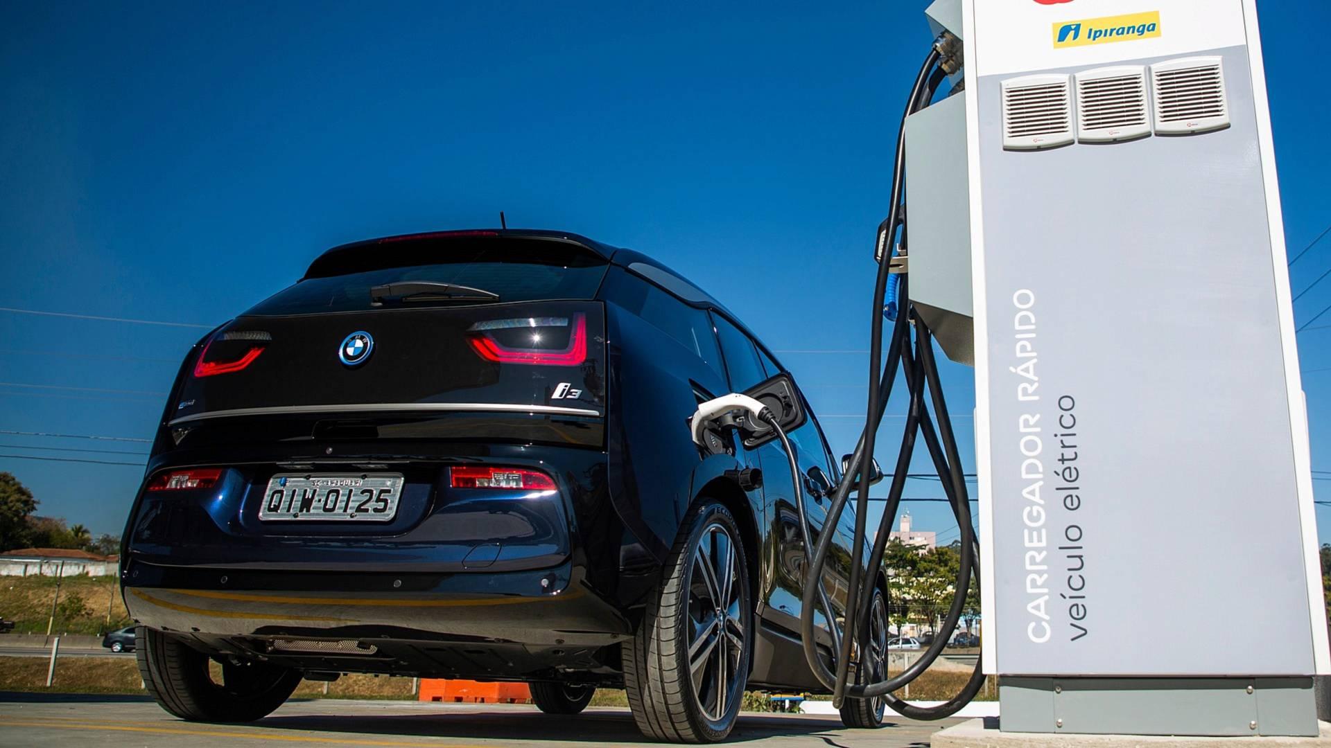 Corredor elétrico: EDP e BMW possibilitam viagens de veículos eletrificados entre SP e RJ