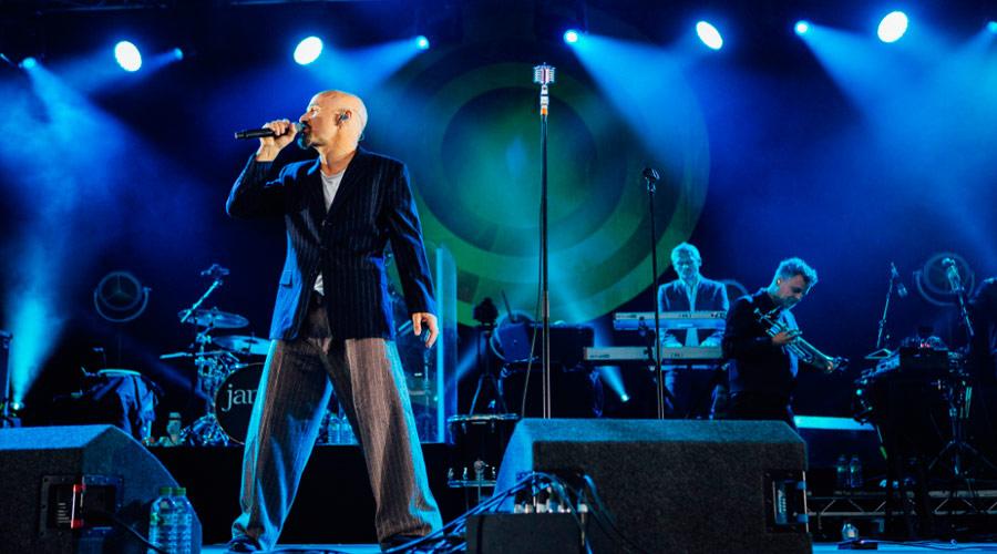 Anos 80 na veia: conheça música nova do James