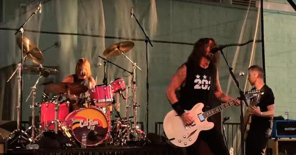 Show: Foo Fighters surpreende fãs e toca raridades dos anos 90