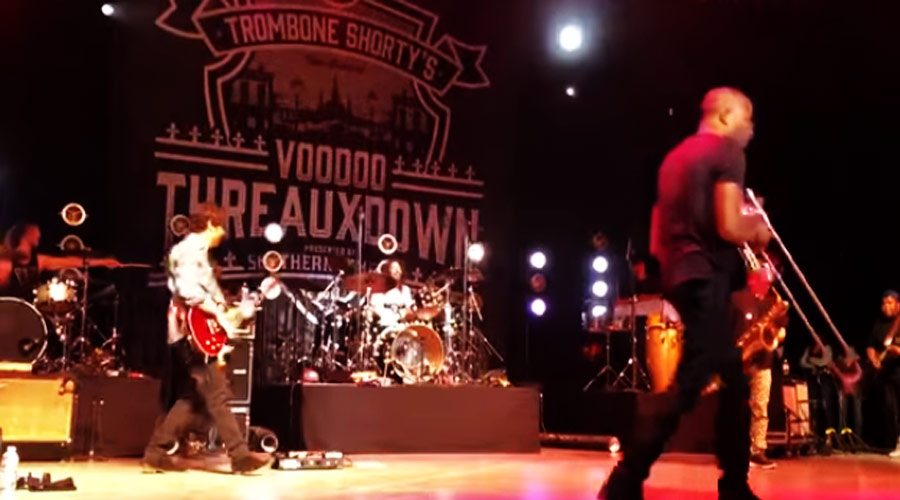 "Vídeo: Dave Grohl toca ""In Bloom"", do Nirvana, em ritmo de jazz"