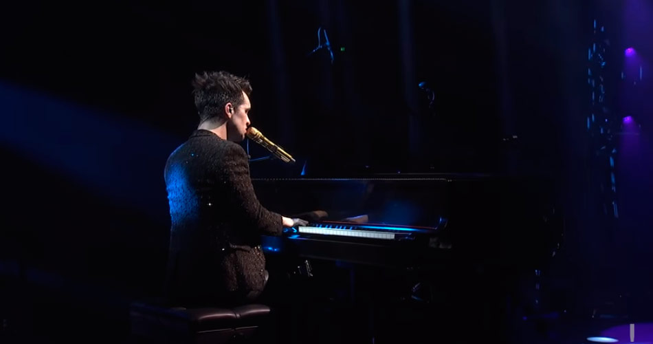 Vídeo: Panic! At The Disco faz homenagem ao Queen