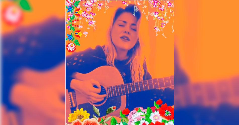 Filha de Kurt Cobain, Frances Bean solta sua bela voz em novo vídeo na internet