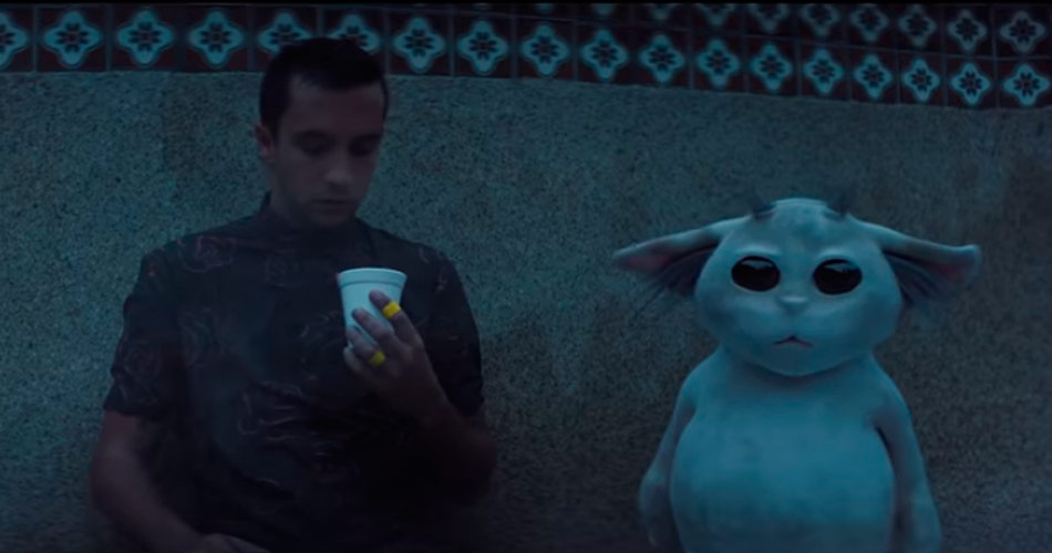 "Twenty One Pilots lança vídeo enigmático para o single ""Chlorine"""