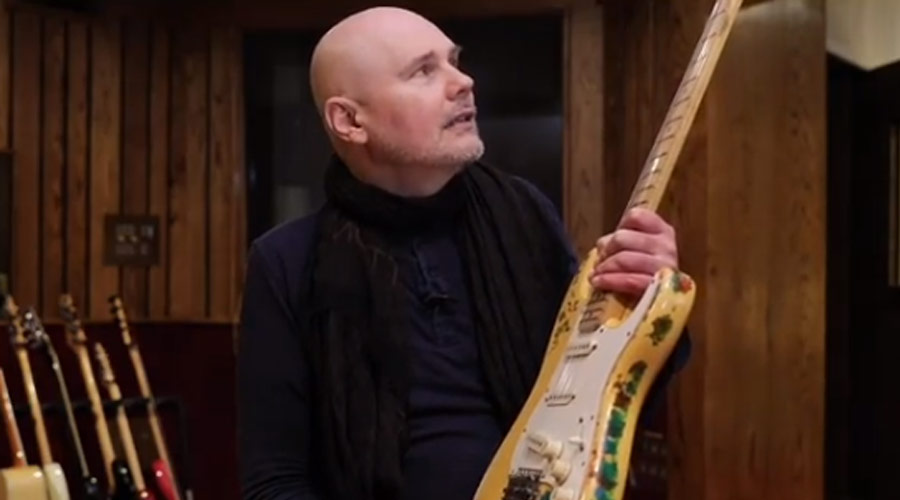 Billy Corgan, do Smashing Pumpkins, mostra vídeo do reencontro com sua guitarra roubada