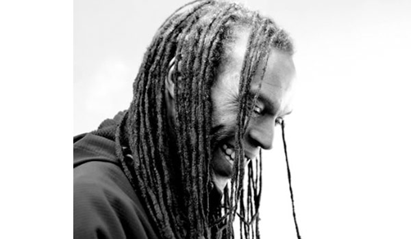 Ranking Roger, do General Public, morre aos 56 anos