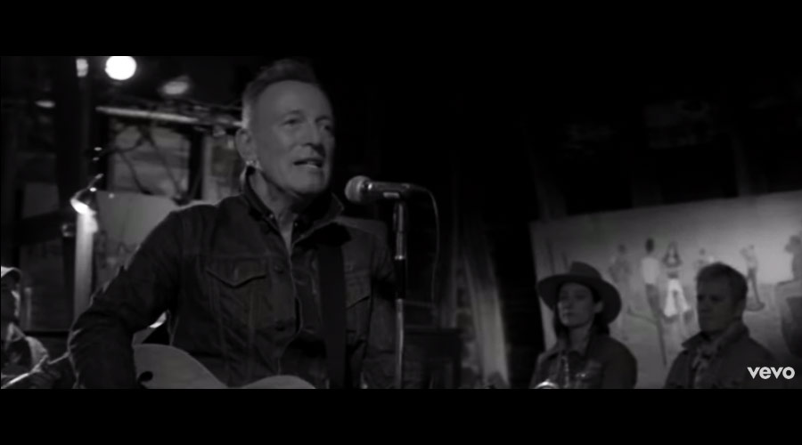 "Bruce Springsteen libera mais um novo single, ""Tucson Train"""