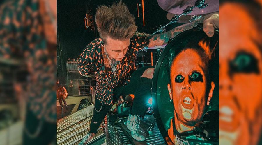 Papa Roach presta homenagem ao Prodigy em festival americano