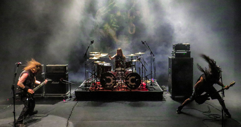 Claustrofobia abre show do Slayer em SP