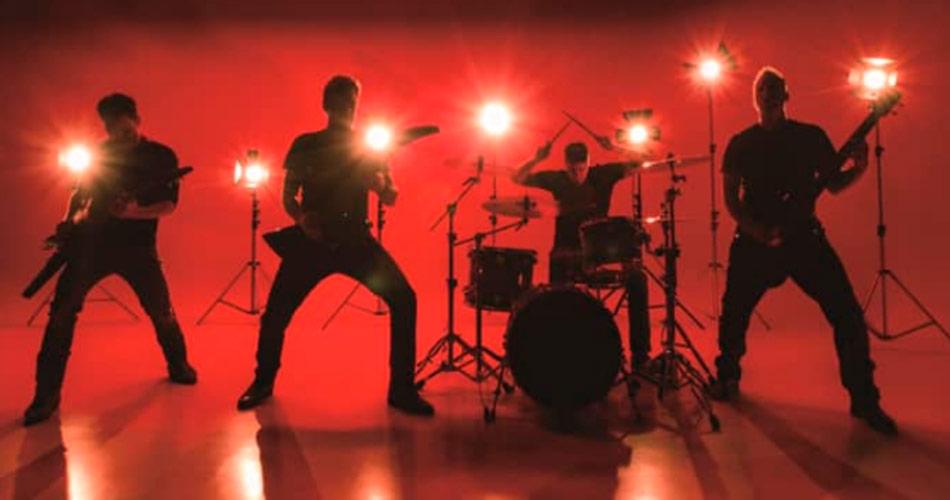 Nickelback não quer gravar disco de heavy metal, diz baixista